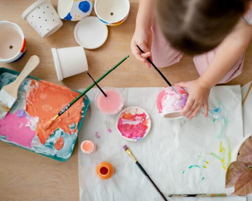 創造力を育む「アート&クラフト」